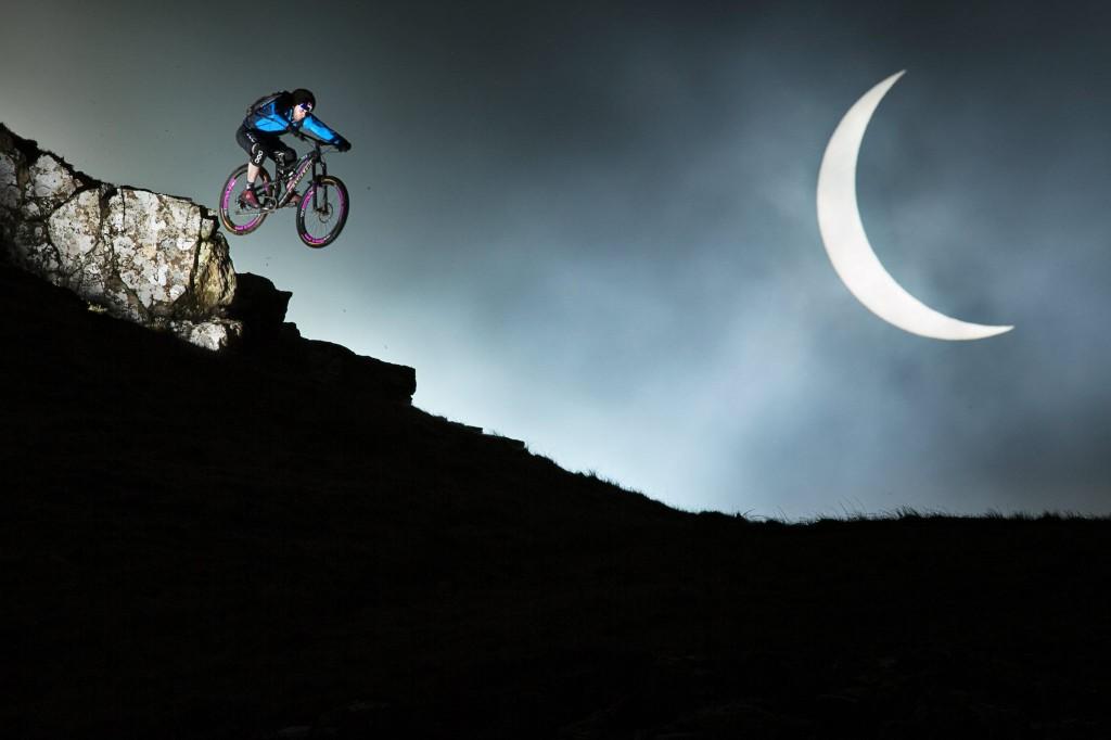 photo Danny MacAskill eclipse soleil