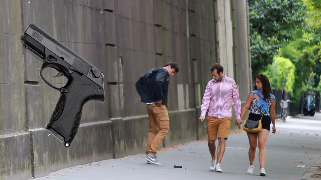 Faire tomber un pistolet à Paris